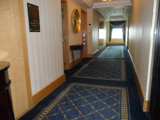 Hotel Mulia Senayan: Corridor