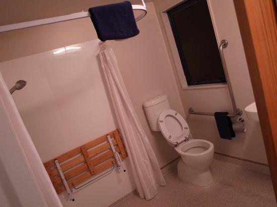Bella Vista Motel: Bathroom