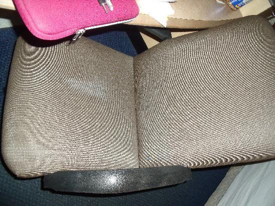 رد روف إن روتشستر - هنريتا: The gross chair number 2