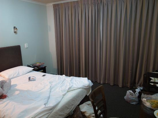 Lake Taupo Motor Inn: bedroom