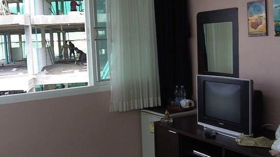 Athome Hotel @Nanai 8 & Thai Kitchen : ATHOME view out your window