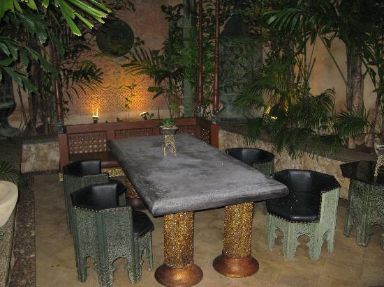 Sawasdee Village : petite coin privé pour repas en amoureux
