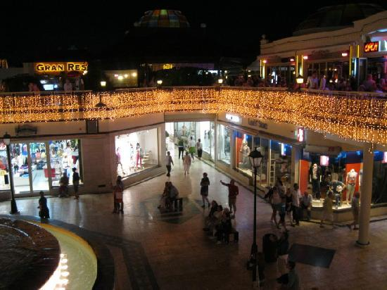 Hotel Best Tenerife: shopping mall nr the hotel