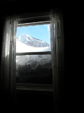 ‪‪The Ruby of Crested Butte - A Luxury B&B‬: View from our room - Record Snowfall‬