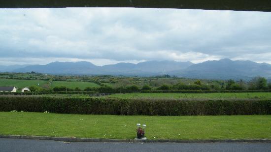 Dromin Farmhouse: La vue depuis la chambre