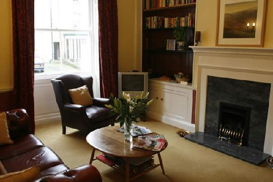 Bondgate House: Guests Lounge