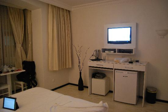 Hot Suites Taksim: another view of the room