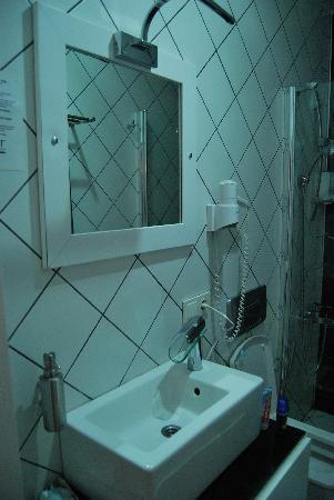 Hot Suites Taksim: bathroom