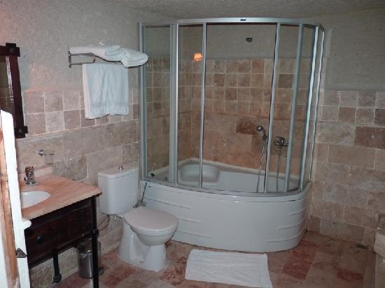 Aydinli Cave Hotel: La salle de bain