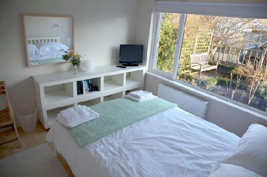 B&B at No 10: Double bedroom