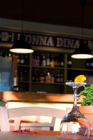 Nonna Dina: Local Inside