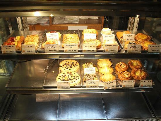Euro Bakery Guesthouse: Bakery at the first floor
