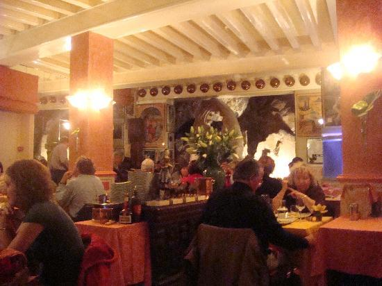 The restaurant picture of la mere poulard mont saint michel tripadvisor - Restaurant la mere poulard ...