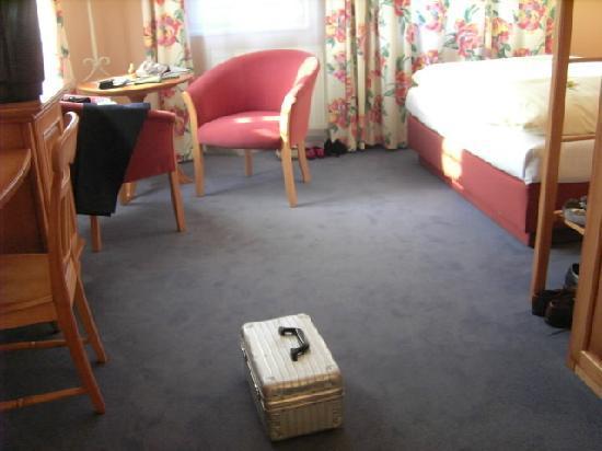 Hotel Schloss Schweinsburg: Teilansicht Zimmer 301