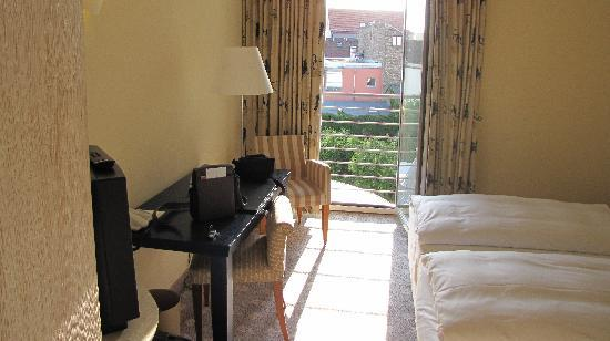 NH Potsdam : Room