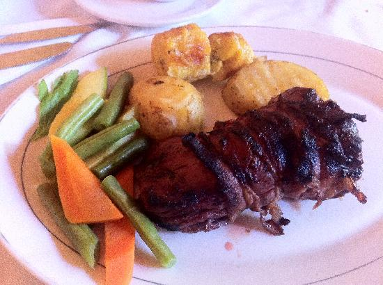 Restaurante El Zaguan : Bacon wrapped steak