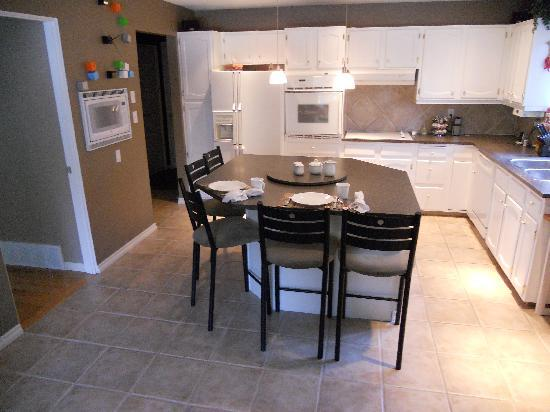 Bonaventure Bed and Breakfast: The kitchen area