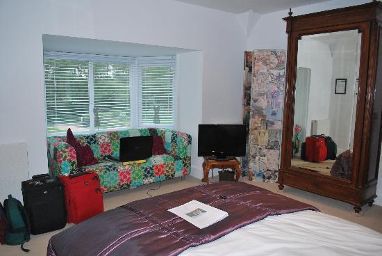 Leyland Country House: Purple Room