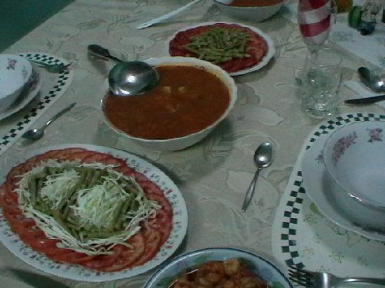 Casa de Pipa y Manuel: cena