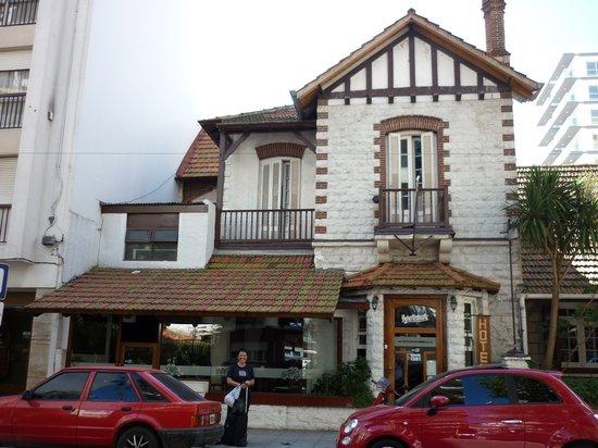 Hotel Ushuaia: frente de la casona