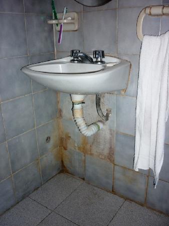 Hotel Ushuaia: el baño IMPRESENTABLE!!!