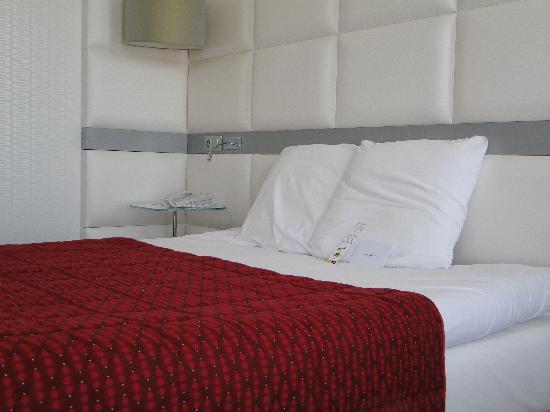Mercure Le President Biarritz Centre: le lit