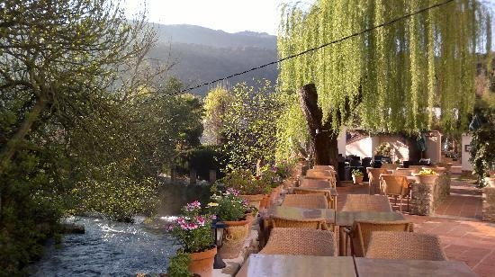 Molino del Santo: Springtime morning at the terrace
