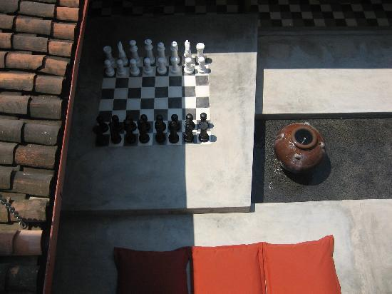 Los Patios Hotel : Outside chess field
