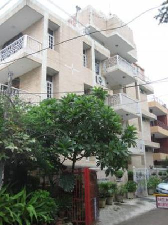 Inn 69: Apartment's Exterior