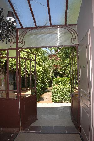 La Table : Véranda sur le jardin