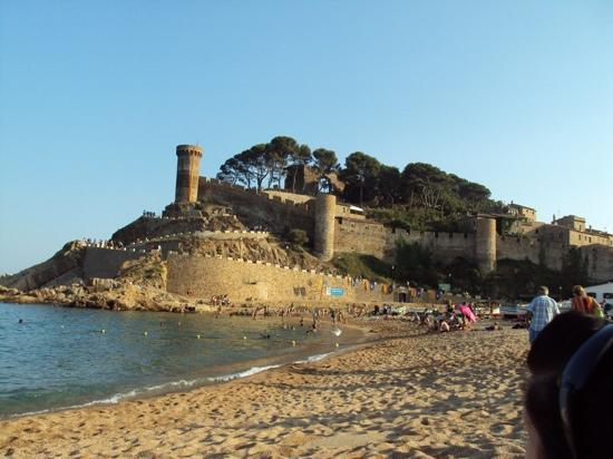Tossa de Mar, España: castle on the beach