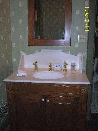 Inn at Pine Terrace: bathroom