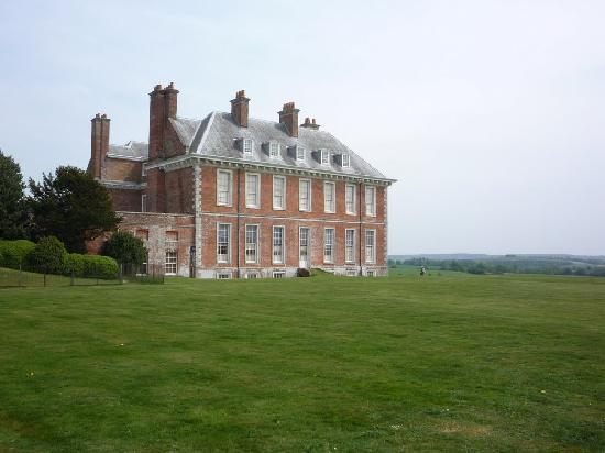 ‪‪Uppark‬: Uppark House, looking south‬