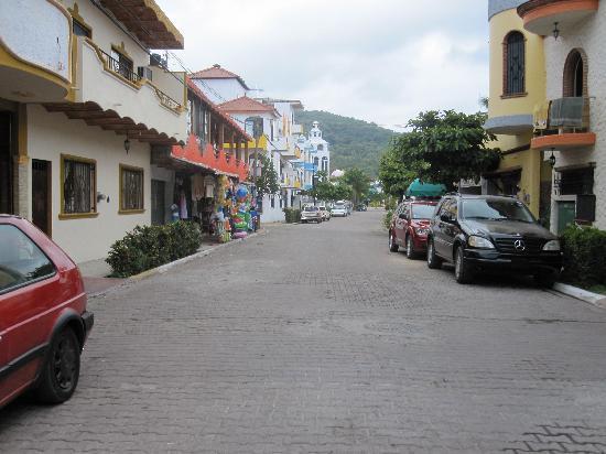 Decameron Los Cocos: the town during ciesta - a real ciesta!