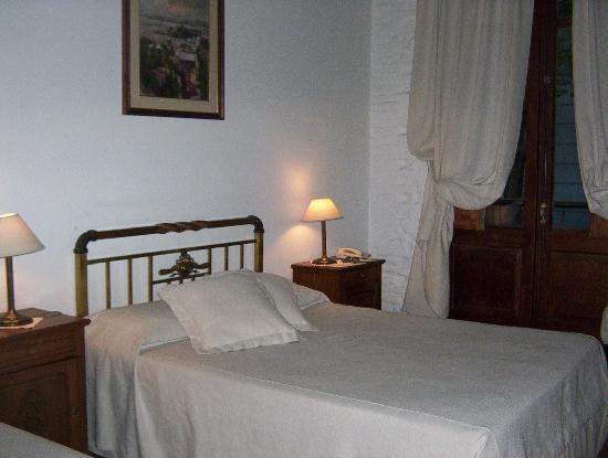 Hotel posada Manuel de lobo: Amplia habitación a la calle