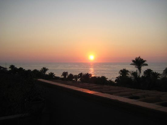 Hacienda de la Costa: Beautiful sunset over the Pacific Ocean from our private balcony