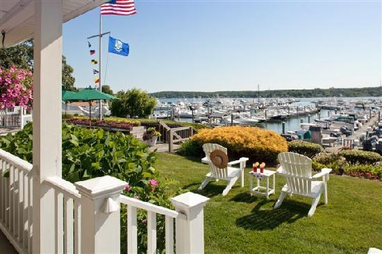 Inn at Harbor Hill Marina: How about a nice adirondack chair and a glass of wine?