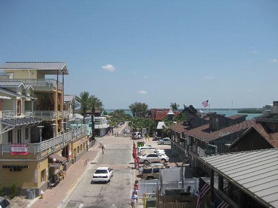 Mariner Beach Club: John's Pass area, short drive from the Mariner.  Fun shopping area.