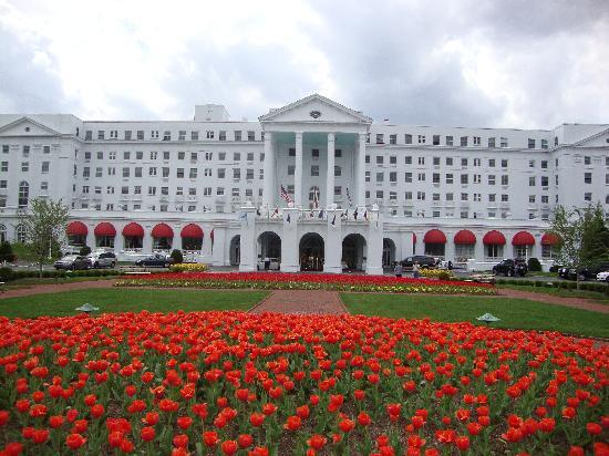The Greenbrier: Greenbrier Resort Main Entrance
