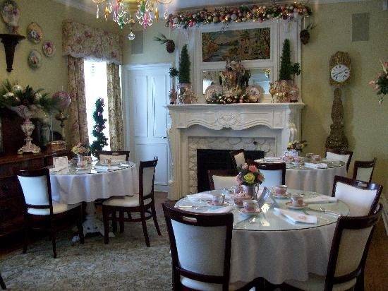 Kingsville, Canada: West side dinning area at Christmas