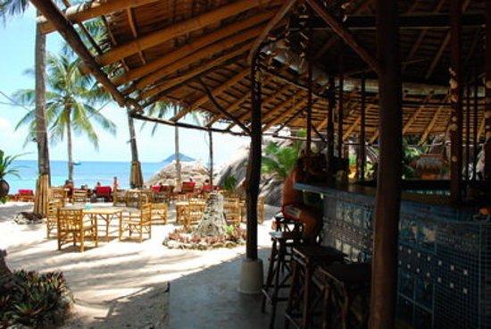 Elvis Beach Bar & Restaurant: sun , sand & sea