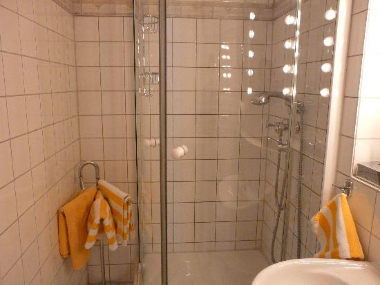 Askanischer Hof: Bathroom 2