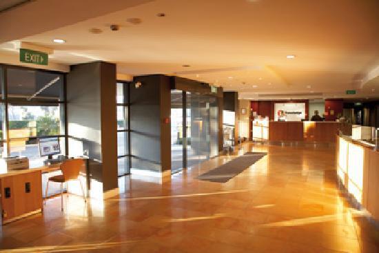 Travelodge Hotel Blacktown: Travelodge Blacktown - Hotel Reception & Lobby