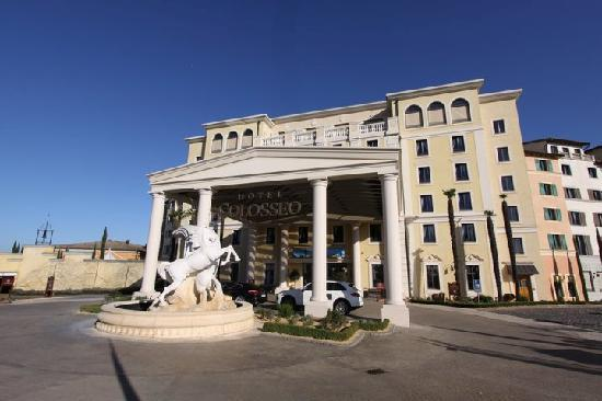 "Hotel ""Colosseo"" Europa-Park: The entrance"