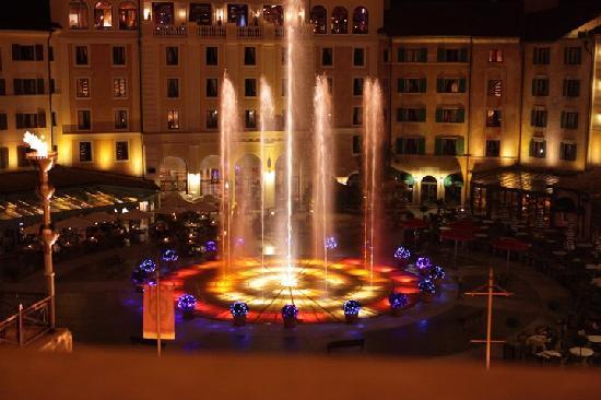 "Hotel ""Colosseo"" Europa-Park: The musical fountain"
