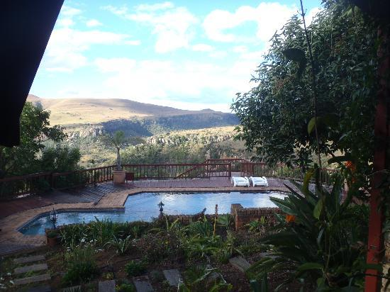 Acra Retreat - Mountain View Lodge - Waterval Boven: View from verandah