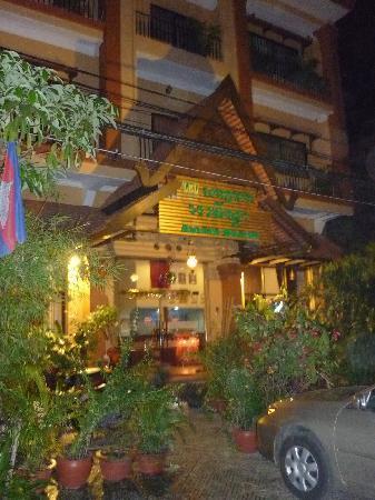 Avista Hostel Siem Reap: The main entrance