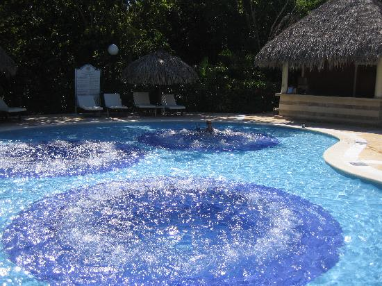 Luxury Bahia Principe Cayo Levantado Don Pablo Collection: Jacuzzi Pool