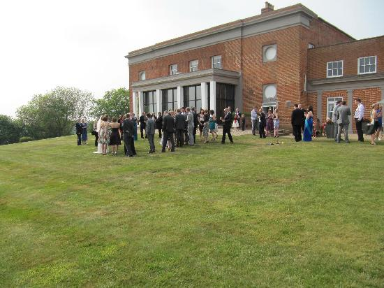 Highfield Park: Wedding guests in the grounds