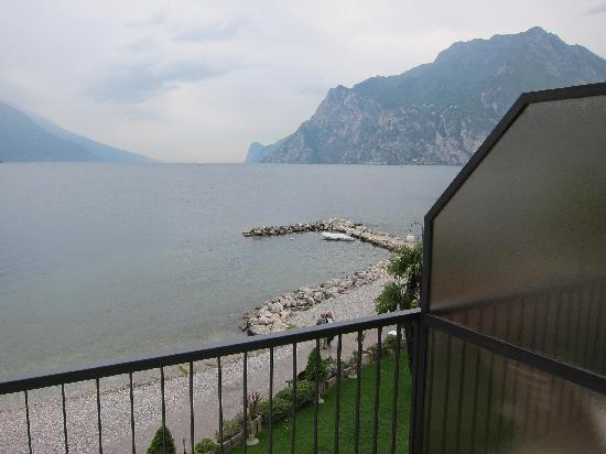 Hotel Lido Blu Surf & Bike: Blick vom Balkon auf den Gardasee